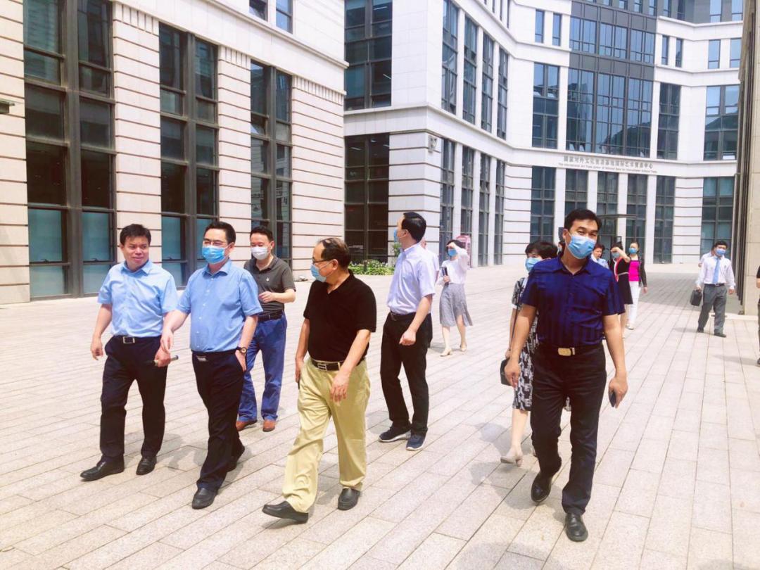 成都市商务局张金泉一行赴国家对外文化贸易基地(北京)调研